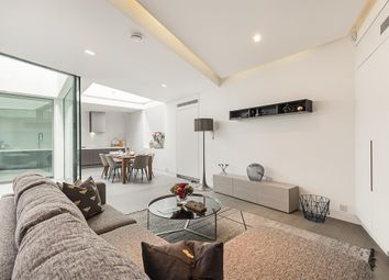 Thumbnail 2 bed flat for sale in Frederick Close, London