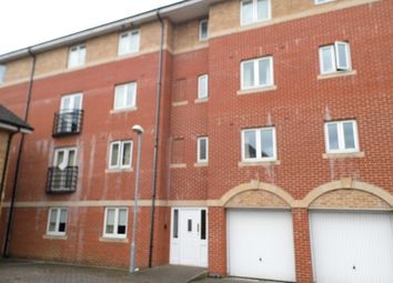 Thumbnail 2 bedroom flat to rent in Saltash Road, Swindon