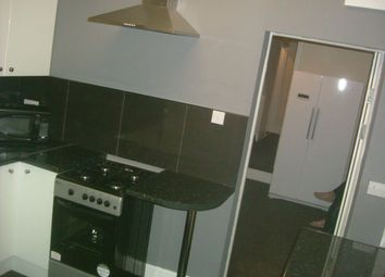 Thumbnail 5 bed terraced house for sale in Kings Bench Street, Hull