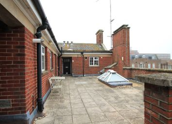 2 bed flat to rent in Ambrose Place, Broadwater, Worthing BN11