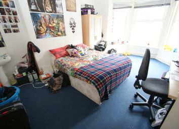 Thumbnail 6 bed terraced house to rent in Ebberston Terrace, Hyde Park, Leeds