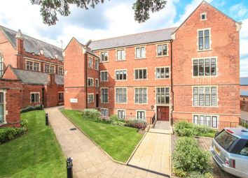 Thumbnail 1 bedroom flat to rent in King Edward Place, Bushey