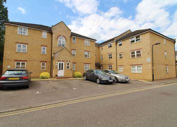 2 bed flat to rent in Kirkland Drive, Enfield, Middx EN2