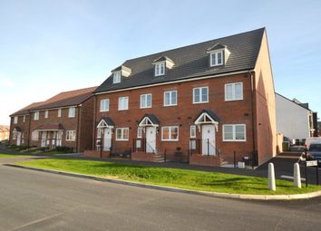 Thumbnail 3 bed property to rent in Greenfinch Road, Didcot