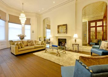 Thumbnail 3 bedroom flat to rent in Fordham Court, South Kensington