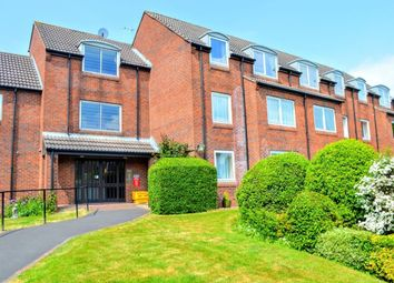 Thumbnail 1 bed flat to rent in Hulbert Road, Waterlooville