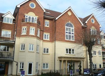 Thumbnail 2 bed flat to rent in Rosemount Avenue, West Byfleet