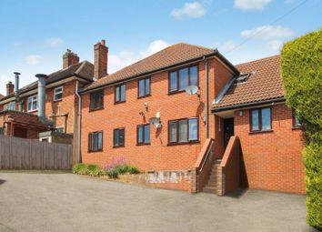 Thumbnail 1 bed flat to rent in Chiltern Avenue, High Wycombe