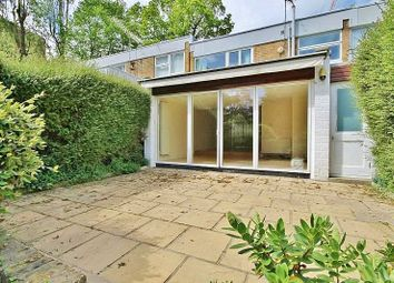 Thumbnail 4 bed property for sale in Westrow, London