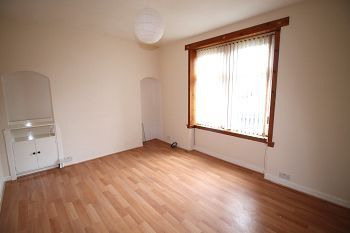 Thumbnail 2 bed flat to rent in Hospital Street, Dundee