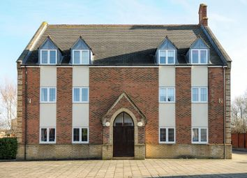Thumbnail 2 bedroom flat for sale in Fairford Leys, Aylesbury