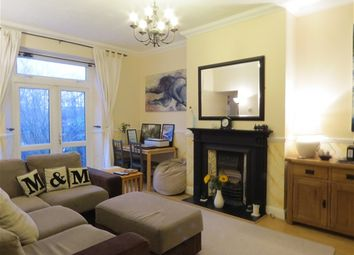 Thumbnail 2 bed flat to rent in Avington Grove, London