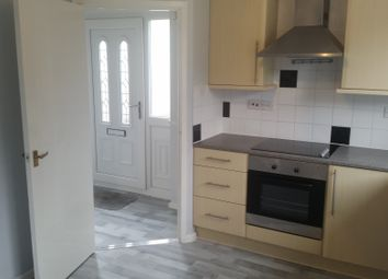 2 bed semi-detached house to rent in Brackley Close, Hull HU8