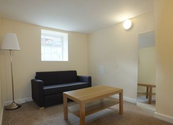 Thumbnail Room to rent in Howard Street, Reading, Berkshire