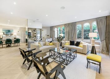 Thumbnail 3 bed flat for sale in Hill Street, London