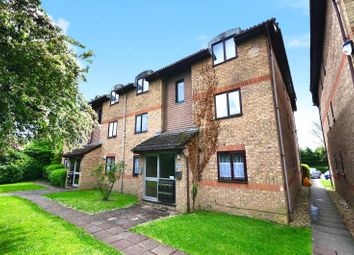 1 bed flat to rent in 1-5 Vicarage Lane, Horley, Surrey RH6