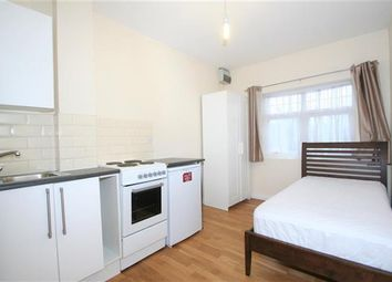 Thumbnail Studio to rent in Southbourne Crescent NW4, Hendon