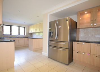 Thumbnail 4 bed detached house to rent in Fernbrook Road, Caversham, Reading