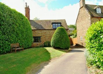 Thumbnail 3 bedroom cottage for sale in Orchard Street, Daventry, Northants