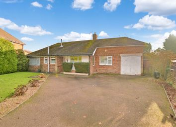 Thumbnail 3 bed bungalow to rent in Half Moon Crescent, Oadby, Leicester