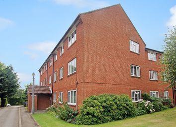 Thumbnail 2 bed flat to rent in Bath Lane, Fareham