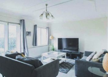2 bed flat to rent in Budleigh Court, Jason Close, Brentwood, Essex CM14