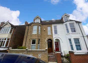Thumbnail 6 bed property to rent in Spenser Road, Bedford
