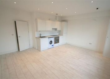 Thumbnail 1 bed flat to rent in Finchley Road NW11, Temple Fortune