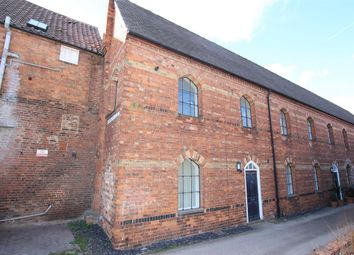 Thumbnail 2 bed town house for sale in Kidgate, Louth