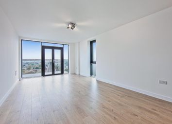 Thumbnail 2 bed flat to rent in Beechwood Road, London