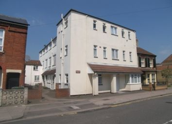 Thumbnail 2 bedroom flat to rent in Roff Avenue, Bedford