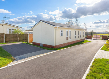 2 bed mobile/park home for sale in Yew Tree Park Homes, Charing, Ashford TN27