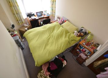 Thumbnail 2 bed flat to rent in Claude Road, Roath, Cardiff