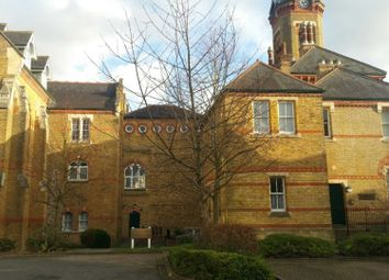 2 bed flat to rent in Exeter Close, Watford WD24
