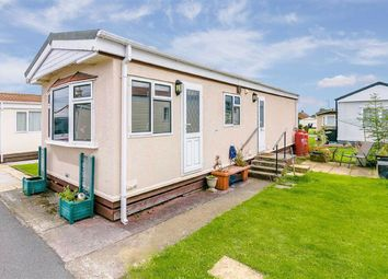 2 bed mobile/park home for sale in Third Avenue Shaws Trailer Park, Harrogate, North Yorkshire HG2