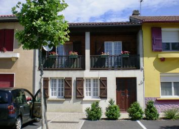 Thumbnail 3 bed town house for sale in 65700 Maubourguet, France