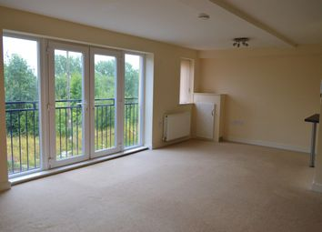 2 bed flat to rent in Winchester Court, West View Road, Boothtown HX3