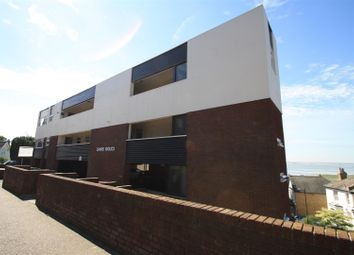 Leigh Park Road, Leigh-On-Sea SS9. 2 bed flat