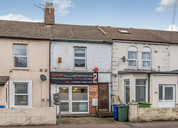 Thumbnail 1 bed flat to rent in East Street, Sittingbourne