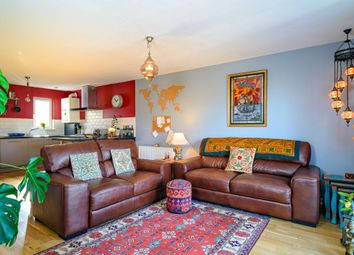 Thumbnail 4 bed flat for sale in 16/6 Clockmill Lane, Abbeyhill