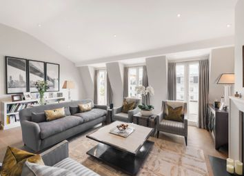 Queen's Gate, London SW7. 3 bed flat for sale