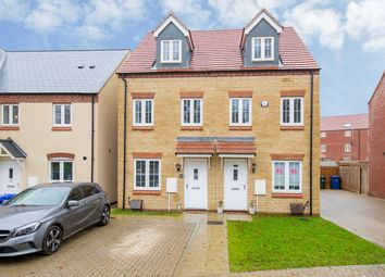 3 bed town house for sale in Redcar Road, Bicester OX26