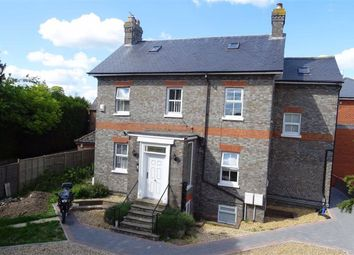 Thumbnail 1 bedroom flat to rent in Station Road, Thatcham