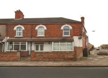 Thumbnail 1 bed flat to rent in Park Street, Grimsby