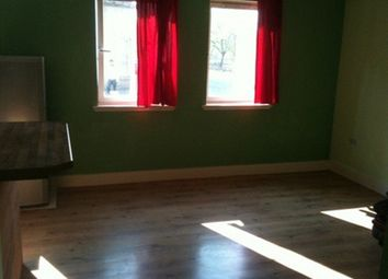 Thumbnail 2 bed flat to rent in Dover Street, Glasgow