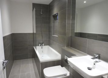 Thumbnail 1 bed flat to rent in Lower Stone Street, Maidstone