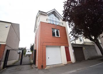Thumbnail 1 bed town house to rent in Clodien Avenue, Heath, Cardiff