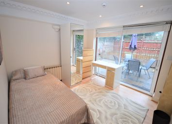 Thumbnail 4 bed flat to rent in Sterndale Road, London