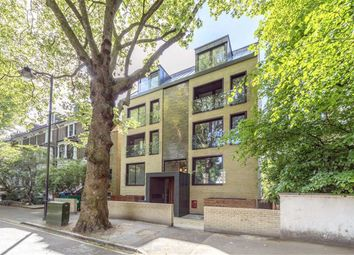 Thumbnail 2 bed flat to rent in Grosvenor Avenue, London