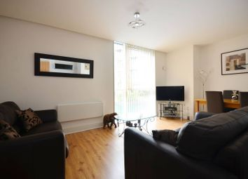 Thumbnail 1 bed flat to rent in Gowers Walk, Whitechapel